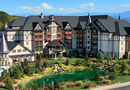 Motel in pigeon forge tn with indoor water park