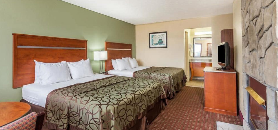 View of the Standard Room with 2 Queen Beds at the Baymont Inn and Suites in Pigeon Forge