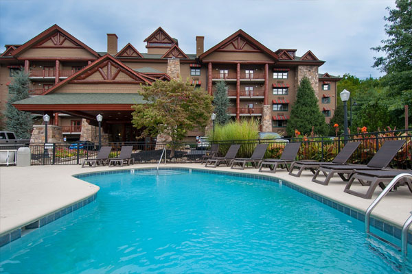 Pigeon Forge Kid Friendly Hotel With Indoor Pool