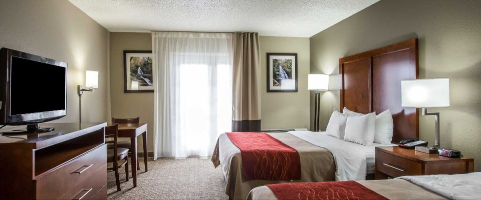 View of a Double Queen Room at the Comfort Inn and Suites at Dollywood Lane Pigeon Forge on the Parkway