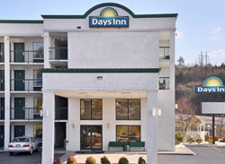 Front of the Days Inn Sevierville Tn