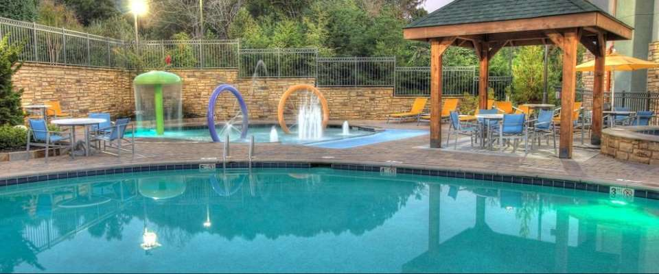 Outdoor Heated Pool at the Hampton Inn Pigeon Forge Teaster Lane