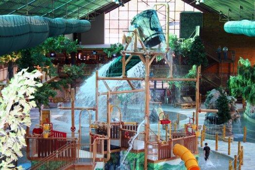 Jacuzzi Suites In Gatlinburg Tn Water Park Hotels Pigeon