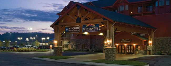 Wyndham Great Smokies Lodge Front Entrance wide